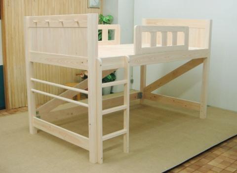 セミダブルサイズのロフトベッド