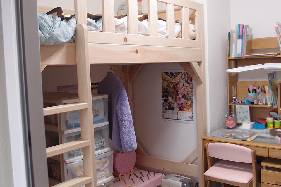 子供部屋にロフトベッドで部屋を有効活用