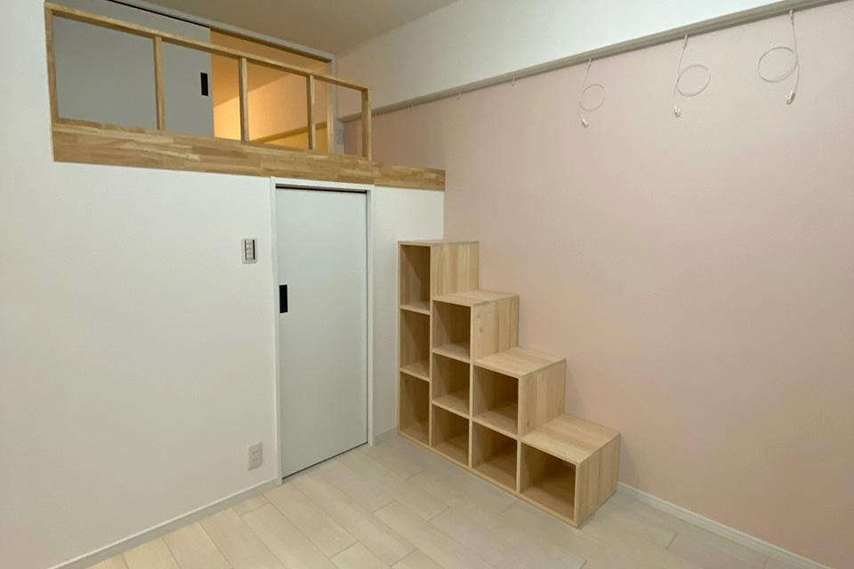 中二階ロフトにひのき階段のお部屋とひのきハシゴのお部屋