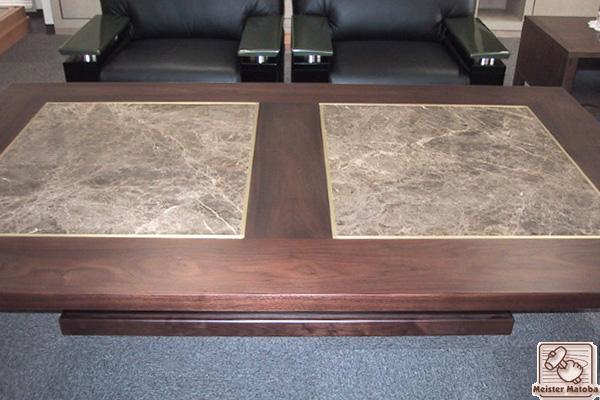 社長室の応接テーブル