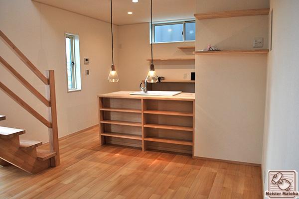 システムキッチン無垢家具
