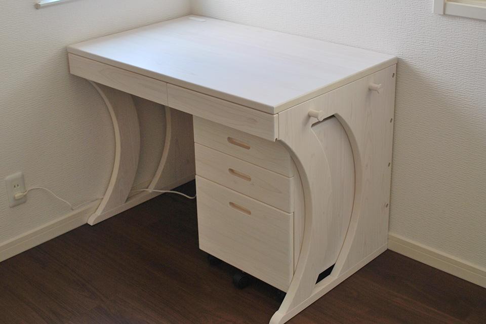 無垢ひのき 白いオーダーデスク 学習机