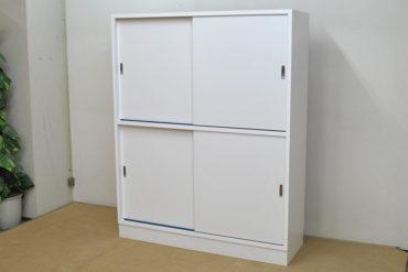 メラミン化粧板仕上げの収納棚 1111032