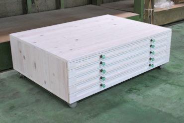 幅140cm弱のひのき材で木製マップケース NO1806030