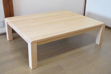 テーブルの天板から足のつながりが境目無しに滑らかに1810016-2