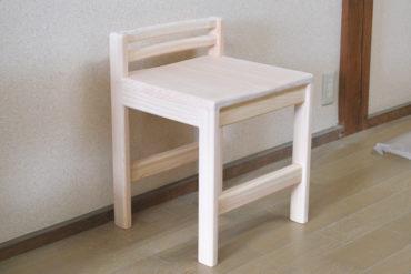 職人手仕事仕上げの可愛いひのき椅子 1810028
