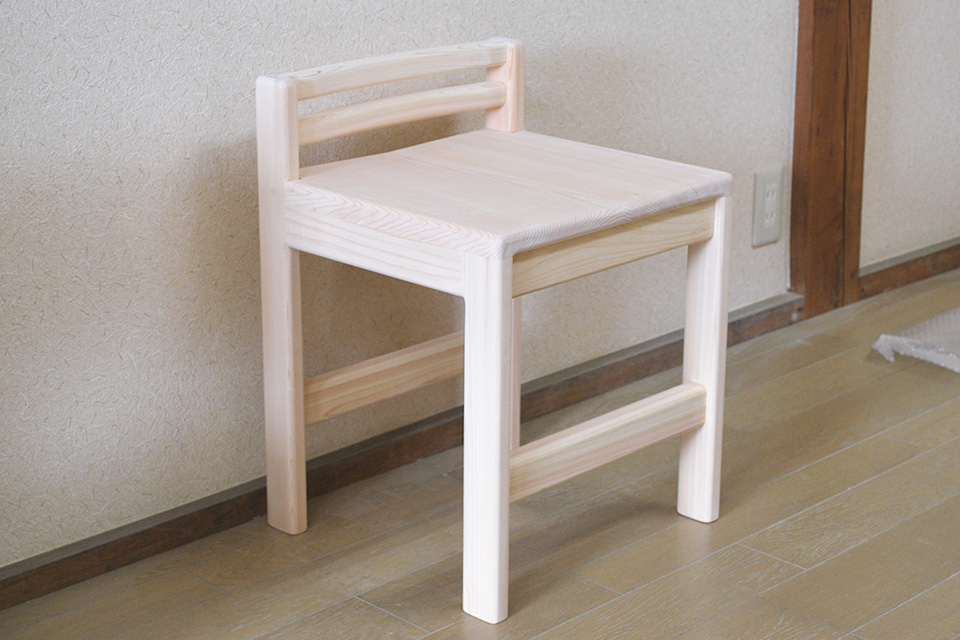 職人手仕事仕上げのひのき椅子