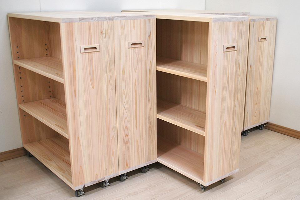 押し入れ収納、引き出して使う本棚