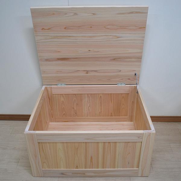 座れる収納ボックス箱イス