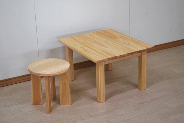 ひのき子供テーブルと丸椅子2102036