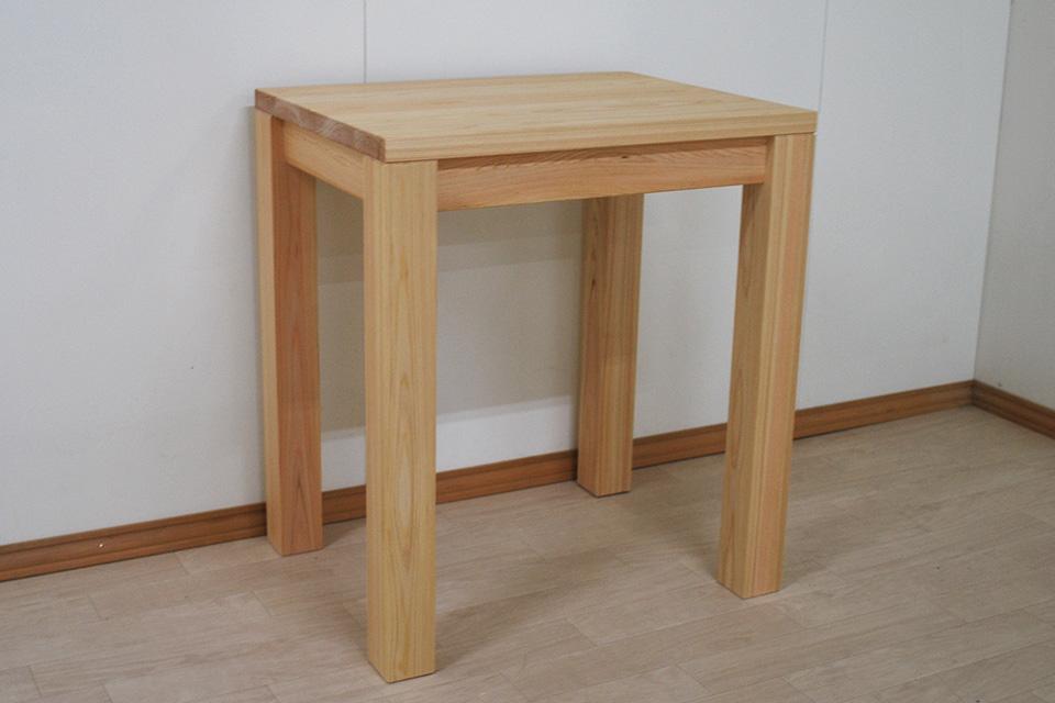 お一人様用、無垢ひのきテーブル幅65cm奥行50cm天板厚み3cm2107036
